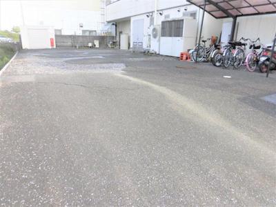 【駐車場】クラウンマンション