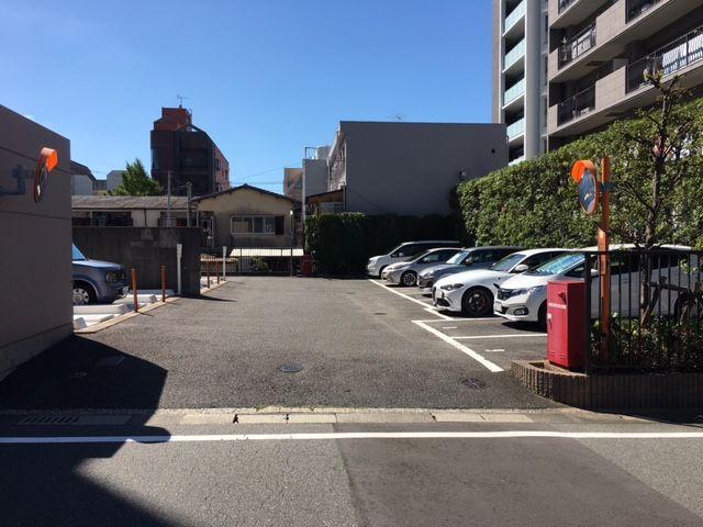 【駐車場】南区長住5丁目 中古マンション3LDK 1階