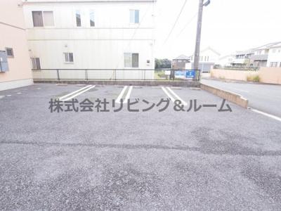 【駐車場】シャーメゾン・厨台