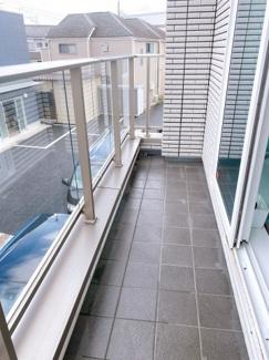 2階バルコニー 手すり透明ガラス