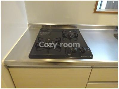 ガス2口コンロ付システムキッチンです。
