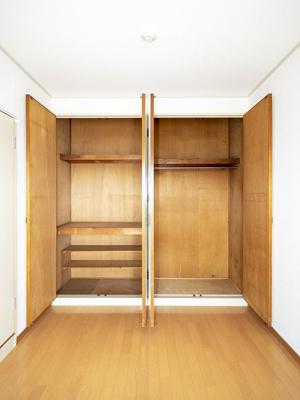 洋室の収納とクローゼット