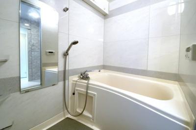 浴室暖房乾燥機は、雨の日の乾かなかった洗濯物も今日のうちに乾かせる奥様の強い味方です。
