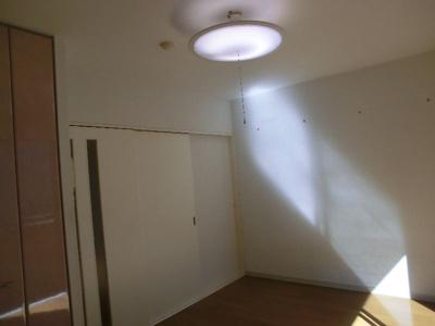 グリーンベルハイツ 307 扉を閉めるとキッチンと独立