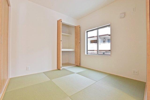 和室とリビングが一体となり、より大きな空間が広がります。