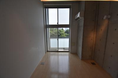 【内装】デザイナーズ天井高く東京タワーが見える部屋 ZOOM六本木