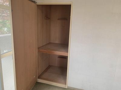 奥行きもある使いやすい収納スペースです。