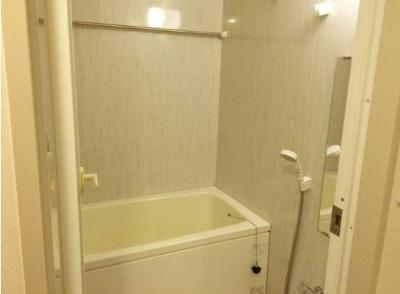 浴室乾燥・追い焚き機能付きバス。