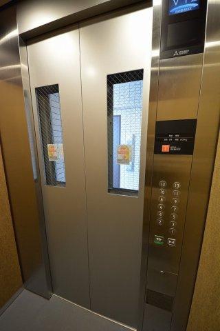 高速エレベーター