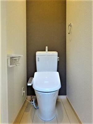 トイレ(1F)、温水洗浄便座取替え済み