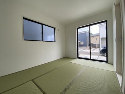 シンプルモダンな和室です。