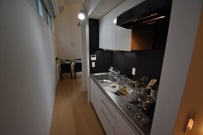 【キッチン】圧倒的に天井が高いロフト付きデザイナーズ プライムアーバン芝浦LOFT