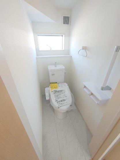 トイレ:1F2F 二か所《 同社施工例 》現地見学や詳細は 株式会社レオホーム へお気軽にご連絡下さい。