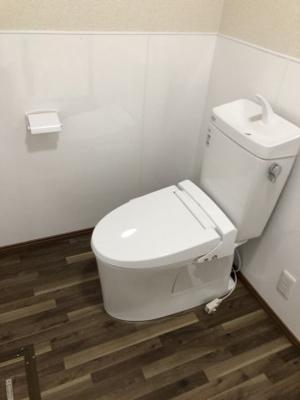 清潔感のある広々としたおトイレです