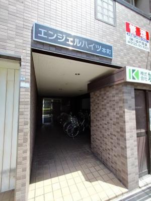 【エントランス】エンジェルハイツ本町