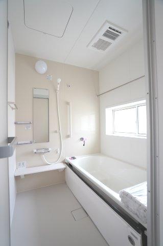 【同仕様施工例】玄関から直接出入り出来るので客間としても使用できます。