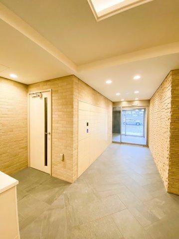 1階エントランスには宅配ボックスがあります。