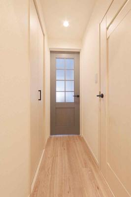 廊下部分です。 建具も新しく気持ちが良いですね♪