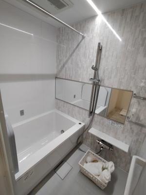 リフォーム済の浴室はカビの心配もなく、浴室乾燥機付きなので、梅雨や花粉の時期の洗濯も安心して干す事ができますね♪