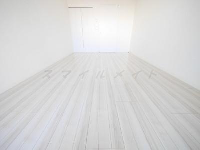 白を基調にした明るいお部屋です