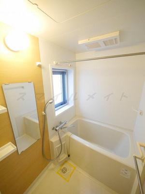 浴室乾燥機ついてます