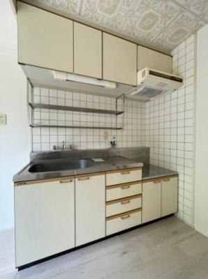 【キッチン】第二ロイヤルメゾンアドニス