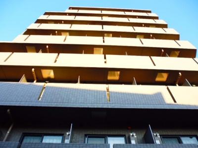 鉄筋コンクリート造のガッチリとした建物。