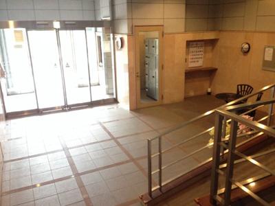 【エントランス】エスリード万博公園
