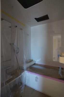 乾燥機能・追い焚き機能給湯のある浴室です