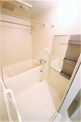 【浴室】ウィスタリア新北野