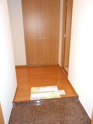 【玄関】ファインクレスト新井