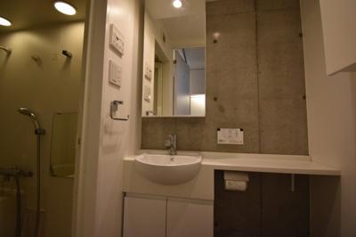 【独立洗面台】圧倒気な天井の高さデザイナーズ ZOOM麻布十番