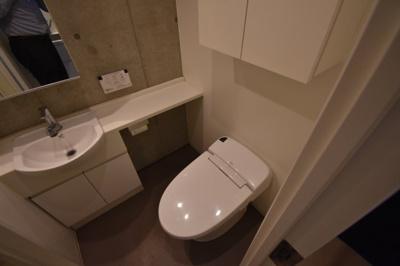 【トイレ】圧倒気な天井の高さデザイナーズ ZOOM麻布十番