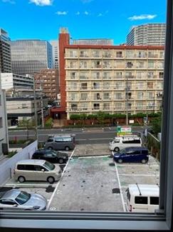 東側の眺望 駐車場になったばかりです