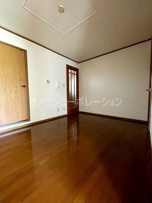 【居間・リビング】クインシィー8