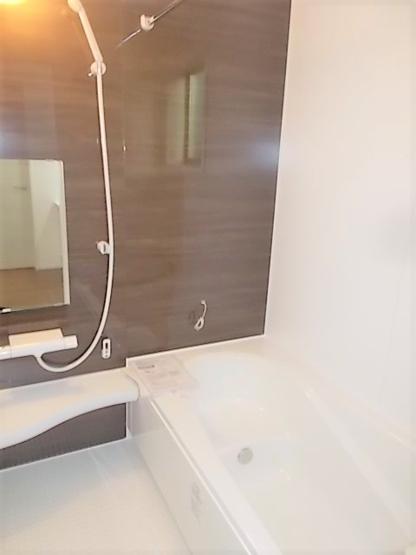 多くの食器が洗えて節水効果もある、食器洗い乾燥機付き!家事時間の短縮に♪手荒れ防止にも効果的◎