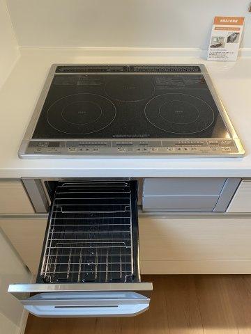 多くの食器が洗えて節水効果もある、ビルトインタイプの食器洗い乾燥機付き!家事時間の時短になりますね♪