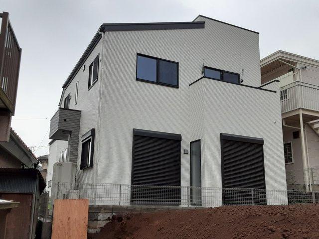 新築一戸建て 全2棟 花咲1丁目 明るい2階リビング・6帖のスカイバルコニーのある家です!仲介手数料無料です。