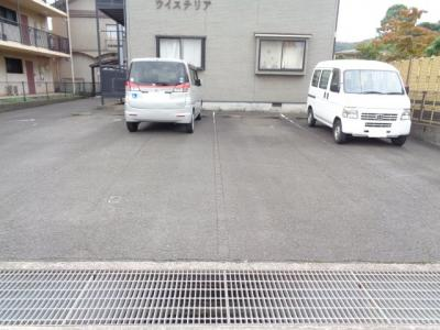 【駐車場】ウイステリア