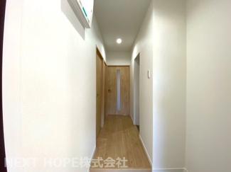 玄関から廊下部分です♪室内は令和3年8月リフォーム済み!いつでもご覧いただけます(^^)お気軽にネクストホープ不動産販売までお問い合わせを!!