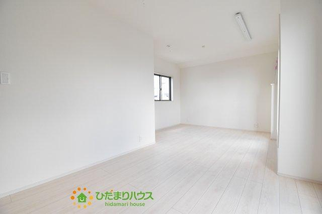 10.5帖の主寝室!十分な広さがあるので、大切なプライベート空間を素敵に演出できます♪