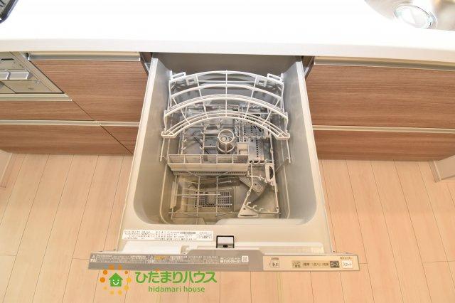 環境にもママの手にも優しい食器洗乾燥機付