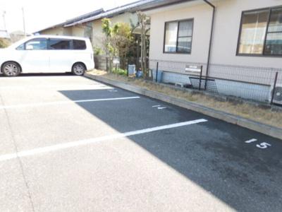 【駐車場】アイリス・ガーデン・コート