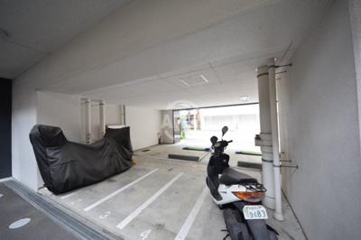 セレニテ上町台 バイク置場