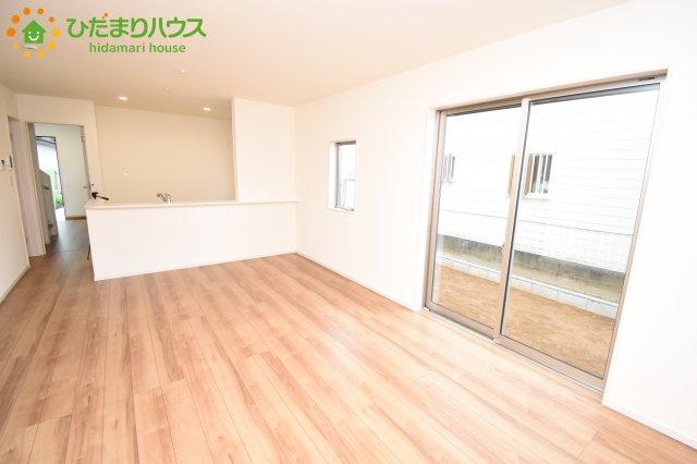 【居間・リビング】伊奈町本町 第2 新築一戸建て リーブルガーデン 01