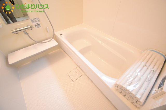 【浴室】伊奈町本町 第2 新築一戸建て リーブルガーデン 01
