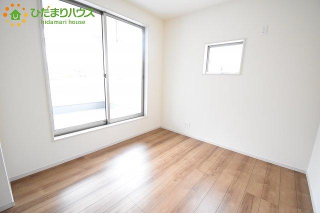 【洋室】伊奈町本町 第2 新築一戸建て リーブルガーデン 01