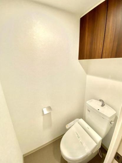 清潔感のあるトイレです 温水洗浄機付きのトイレ。