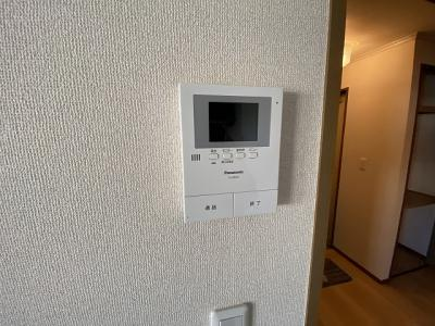 防犯対策に有効なカメラ付きインターホン☆録画機能が付いているので留守中の訪問者まで確認できます♪