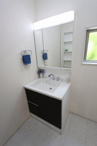 使いやすい独立洗面台です:建物完成しました♪毎週末オープンハウス開催♪八潮新築ナビで♪